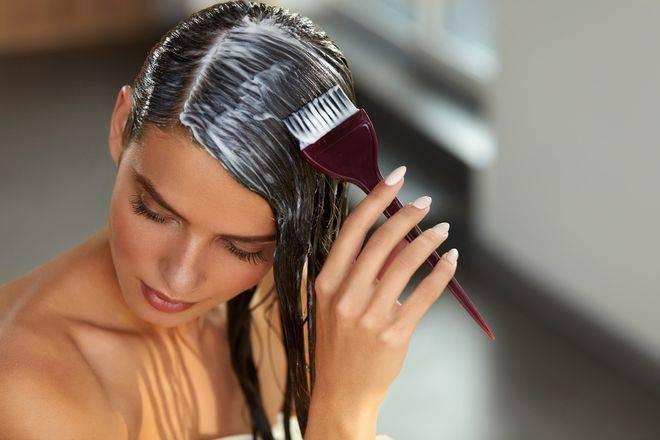 [e-Book] 7 passos para você saber como pintar os cabelos sozinha em casa